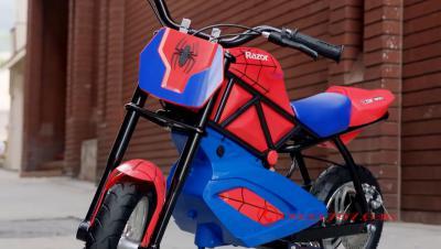 xe cào cào điện Razor Spider Man RSF350 Dirt Rocket