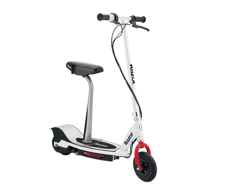 Xe Điện Razor E200S Electric Scooter Seated